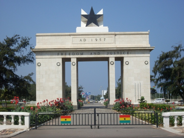 Independence_Arch_-_Accra,_Ghana1