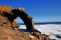 L'arco naturale di Bogenfeld lungo la zona diamantifera della Skeleton coast (foto di Andrea Mazzella)